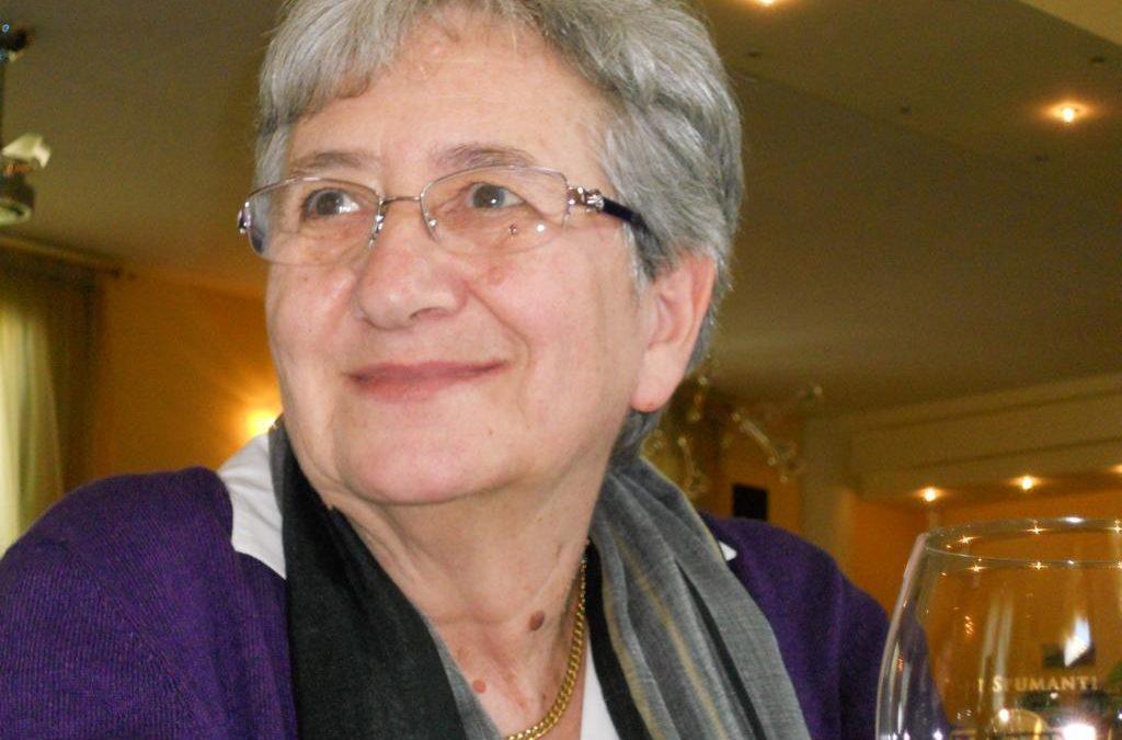 """Nel giorno della sua scomparsa il Liceo statale """"Filippo Buonarroti"""" ricorda Laura Carotti Goggi."""